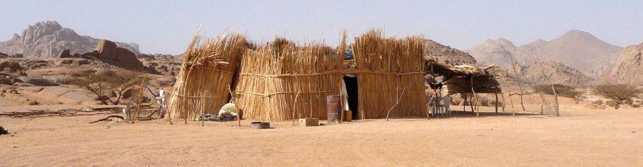gestern noch sa ich am lagerfeuer der tuareg. Black Bedroom Furniture Sets. Home Design Ideas